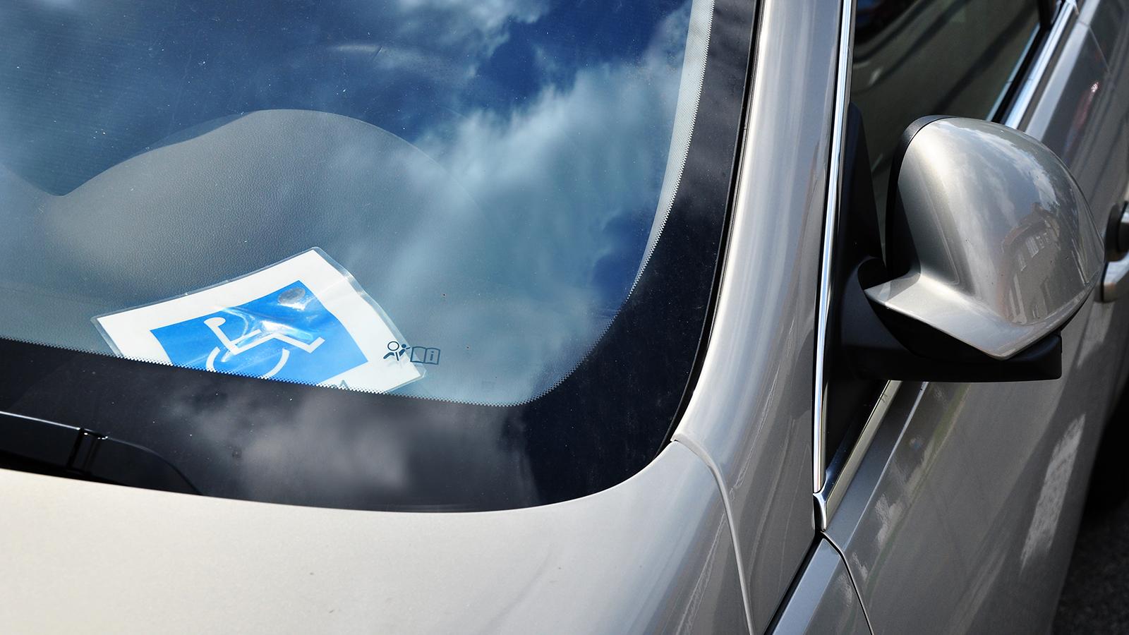 tarjeta de minusvalia para el coche
